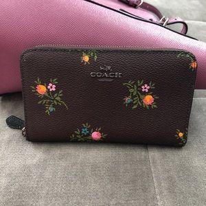 Coach Floral Medium ZIP Around Wallet